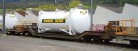"""RhB Sbk-v 7710 mit Container """"Zwissig Sierre"""""""